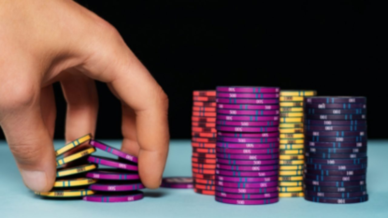 How to EnsureMoney Gambling-Know All The Tips And Tricks To Find Out